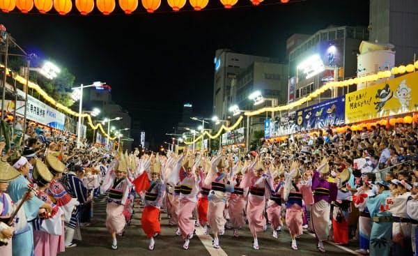 今年「総踊り」は復活したが、台風の影響で2日間中止になった(2019年8月12日、徳島市)