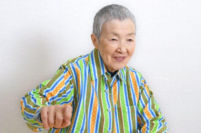 インタビューに答える若宮正子さん