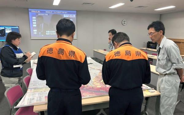 台風19号の通過直後、徳島県の防災担当者が被災した栃木県佐野市に入り、対策を提案した(佐野市のフェイスブックより)