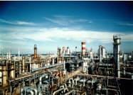 原油安が業績を下押しした(JXTGエネルギーの川崎製油所)