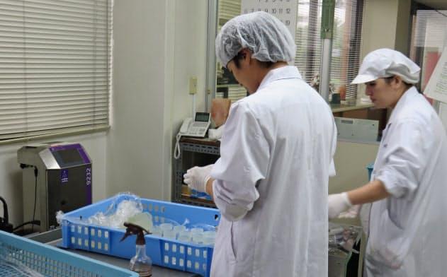ローザ特殊化粧料は勤務時間が短くなるパートが増えるのを避けるため正社員採用に切り替えた(東京都昭島市)