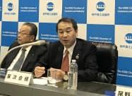 意気込みを語る神戸商工会議所の家次恒会頭(8日、神戸市)