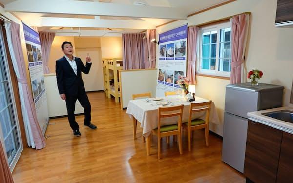 カンバーランドのトレーラーハウスは寒冷地などの暮らしに対応する(10月、長野市)