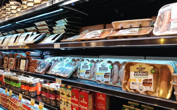 ビヨンド・ミートは30カ国以上に販路を広げている(米カリフォルニア州のスーパー)