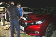 災害停電時に電気自動車などからの電力供給を目指す(8日、神戸市)