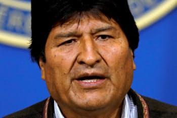 辞任を表明したボリビアのモラレス大統領=ロイター