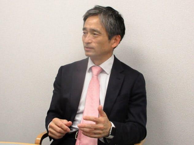 共和薬品工業の角田礼昭社長は診断サービスなどに力を入れる方針を明らかにした(12日、兵庫県三田市)
