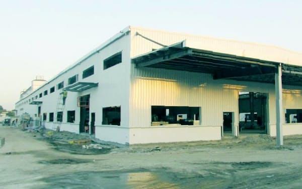 20年度にも工業用大型砥石の生産を始める新工場の建設が進む(中国・蘇州)