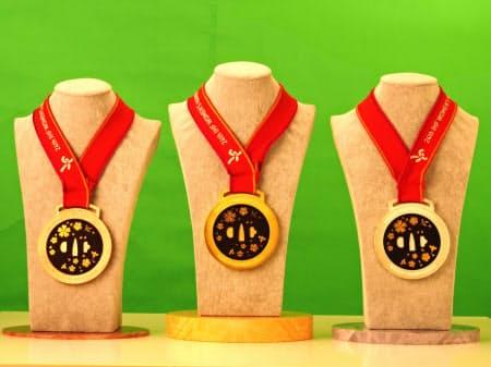 女子ハンドボール世界選手権の表彰メダル(熊本国際スポーツ大会推進事務局提供)