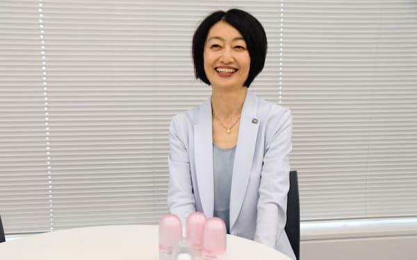 「毎日新しい挑戦があって楽しい」と笑顔を見せる木明さん