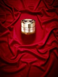 コーセーコスメポート(東京・中央)が発売する多機能のシワ改善化粧品「リンクルケア モイストジェルクリーム」