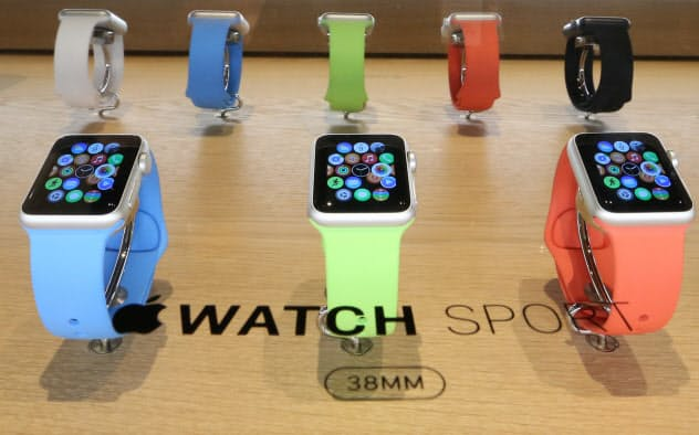 アップルはIoTの普及をにらんで腕時計型端末を販売する