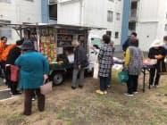 移動販売は初日から多くの人が集まった(横浜市内)