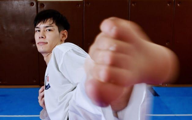 西村はリーチの長い上段蹴りを武器に勝利を重ねてきた。