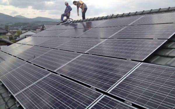 家庭向け太陽光はFIT導入で普及が進んだ