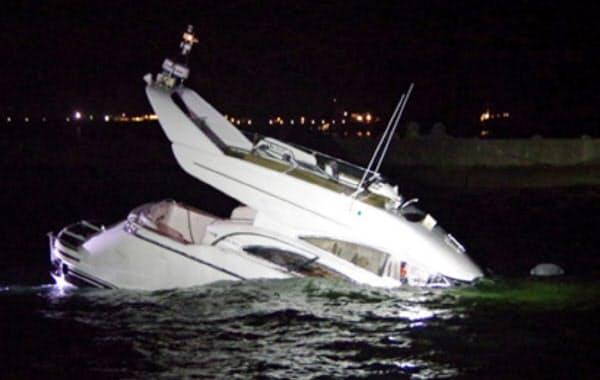 各地でプレジャーボートの事故が相次ぐ(海上保安庁提供)