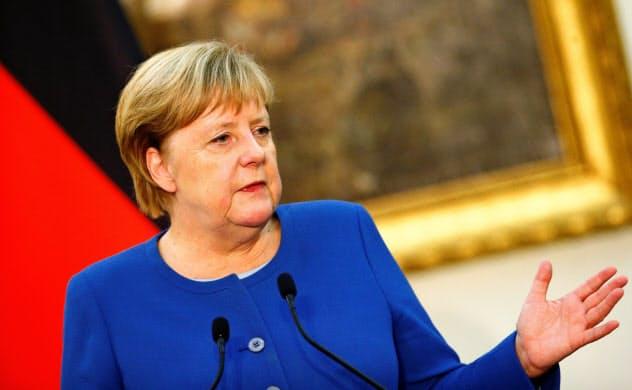 ドイツ経済は今後、財政を拡大するかが焦点となる(メルケル首相)=ロイター