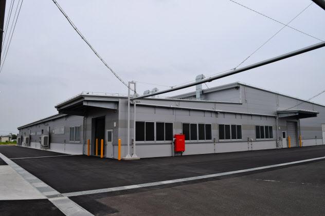 フクビ化学は6月、生産性向上に向け車載パネルコーティング工場を新設した(福井県坂井市)