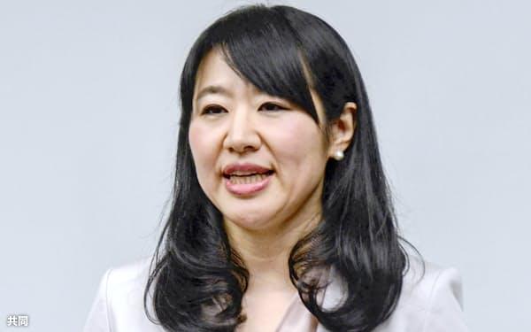 大津市長選に立候補せず退任する意向を表明する越直美市長(14日午後)=共同
