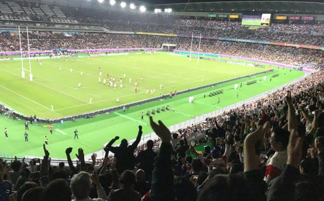 ラグビーW杯決勝戦は接待の場としても活用された(2日、横浜市)