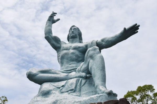 平和公園の平和祈念像(長崎市)