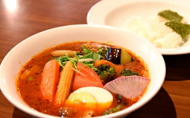 「カレー食堂 心」のスープは和洋の材料から取っただしが売りだ(札幌市)