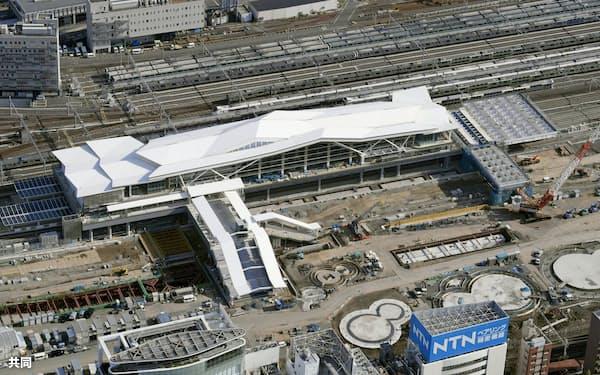 建設中のJR山手線新駅「高輪ゲートウェイ」(14日午後、東京都港区)=共同