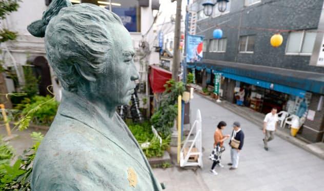 坂本龍馬の像(東京都品川区)
