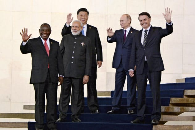 BRICS首脳は経済を通じ結束を深める(14日、ブラジリア)=共同