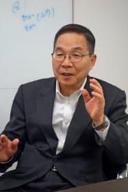中国半導体大手の紫光集団の高級副総裁に起用された坂本幸雄氏。同氏はかつて日本の半導体大手のエルピーダメモリを率いた