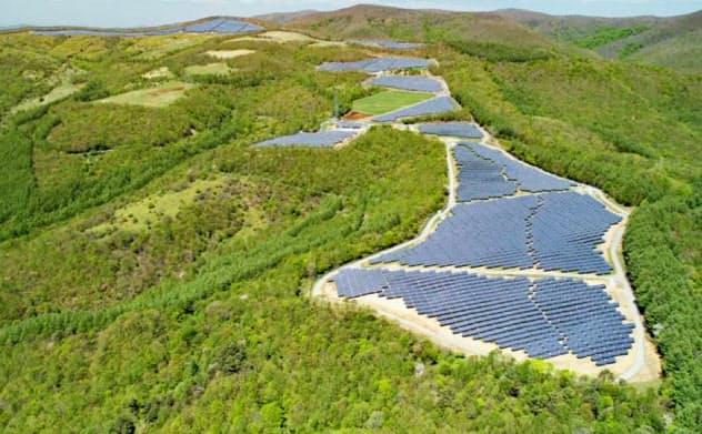 太陽光発電と両輪で日本の再生エネ市場を開拓する(岩手県宮古市の太陽光施設)