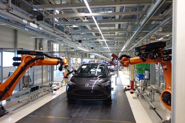VWは、EV「ID.3」の生産を始めたツウィッカウ工場(写真)など世界9工場でEVを生産する