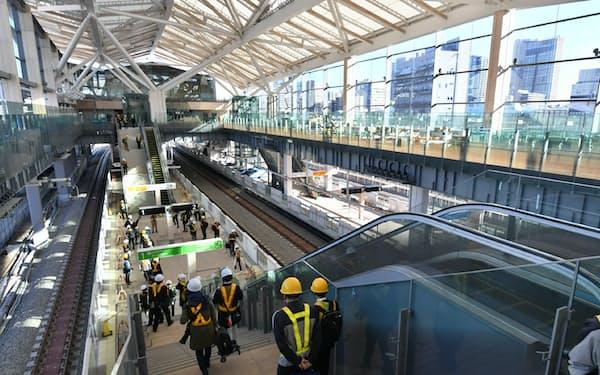報道関係者に公開された高輪ゲートウェイ駅(16日午前、東京都港区)