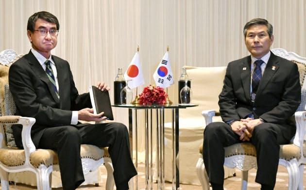 日韓GSOMIA「賢明な対応を」 防衛相、韓国国防相と会談