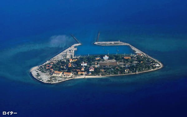 中国とベトナムが領有権を争う南シナ海の南沙(英語名スプラトリー)諸島の島=ロイター