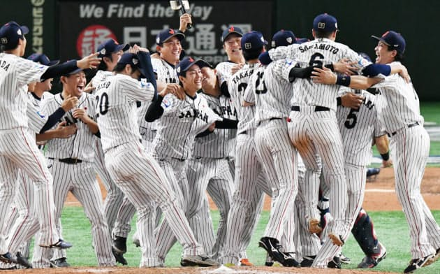 日本、韓国下し初優勝 野球プレミア12