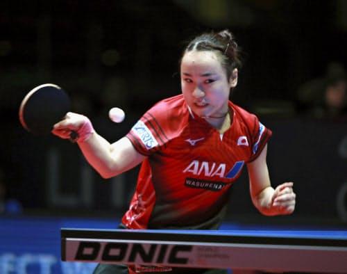 オーストリア・オープンの女子シングルスで優勝した伊藤美誠(17日、リンツ)=国際卓球連盟提供・共同