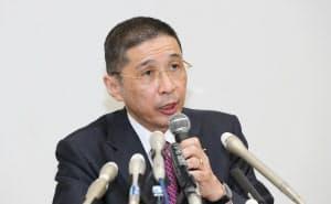 記者会見する日産の西川広人前社長兼最高経営責任者(2018年11月、横浜市西区)