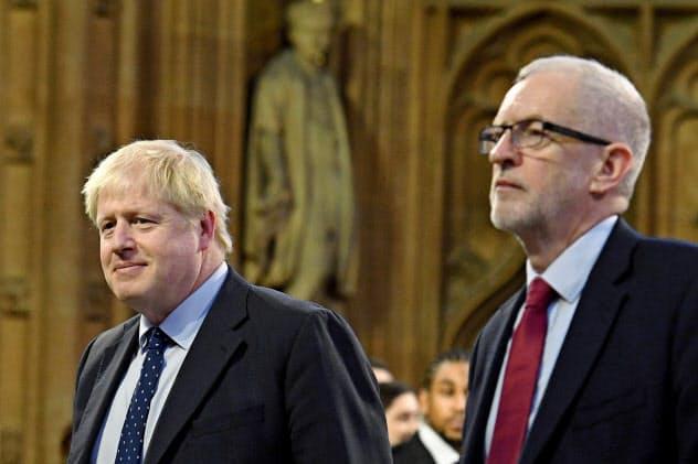 ジョンソン英首相と労働党のコービン党首(右)=ロイター