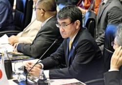 ASEAN拡大国防相会議に臨む河野防衛相(18日、バンコク)=共同