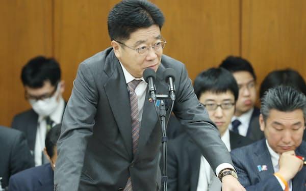 医薬品医療機器法改正案を巡る加藤厚労相の答弁は多岐にわたった(6日、衆院厚労委)