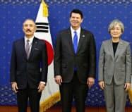 ハリス駐韓米大使(左)=AP