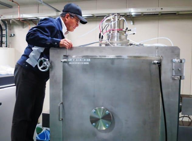「アトム窒化」と呼ばれる金属の表面を処理する炉