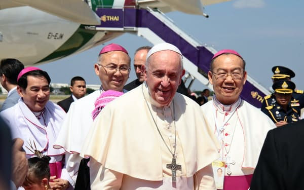 35年ぶりに訪タイしたローマ法王フランシスコ(20日、バンコク)=タイ・カトリック中央協議会提供