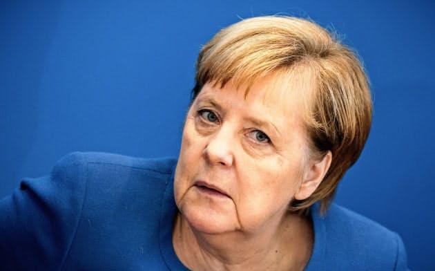 ドイツのメルケル首相は法人減税で思わせぶりな発言も=AP