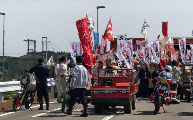 映画「翔んで埼玉」の千葉軍と埼玉軍が対峙するシーンは茨城県石岡市で撮影された(いしおかフィルムコミッション提供)