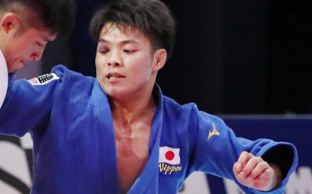 阿部一二三(右)は世界選手権準決勝で丸山城志郎に敗れ、直接対決で3連敗。もう後がない。