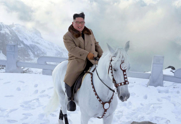 北朝鮮の金正恩委員長は、文在寅大統領の釜山への招待に応じなかった=朝鮮中央通信・共同