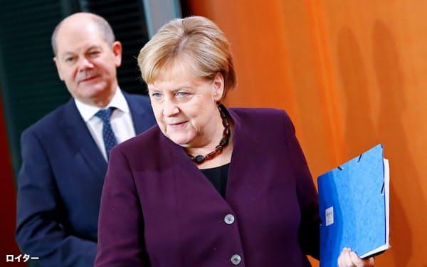 党内の反発にもかかわらず、メルケル首相がファーウェイを巡る立場を変える可能性は低い=ロイター
