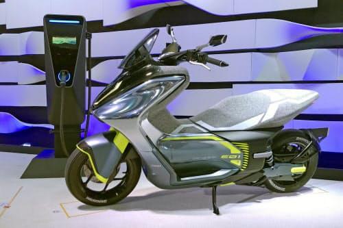 ヤマハ発動機の「E01」は急速充電に対応する
